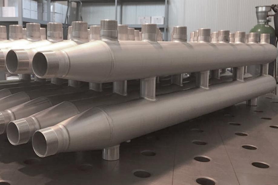 Collettori complanari in acciaio inox per impianti di riscaldamento e raffrescamento